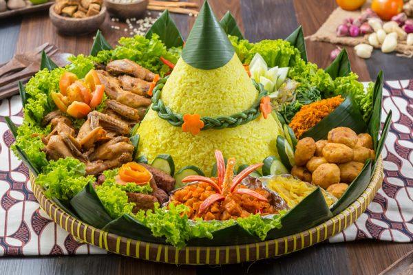 Beda Warna Beda Makna, Kamu Pilih Nasi Tumpeng yang Mana?