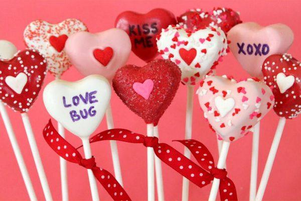 Selain Cokelat, Ini Rekomendasi Hadiah Valentine Lain Buat Pasanganmu!