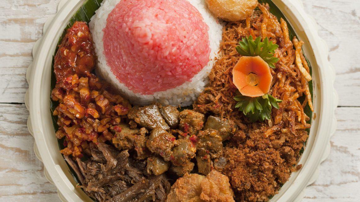 Rekomendasi Makanan Meriah Pas Buat Perayaan 17 Agustusan!